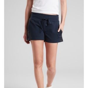 ATHLETA Metro Downtown Shorts in Navy